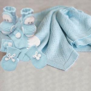Пинетки, носки, варежки, шарфы, манишки, пледы, одеяло